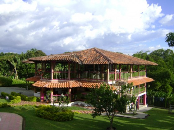 Alquiler de finca finca campestre villa yuliana en for Modelos de fincas campestres